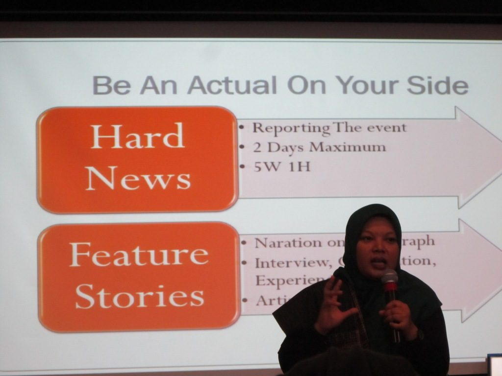 Ani Berta, sosial Media Aktivis