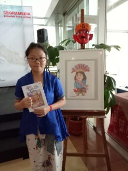 Frances Caitlin Tirtaguna saat peluncuran buku Ondel-ondel Galau sebagai karyanya