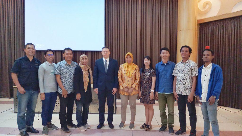 Kami Narablog Berfoto Dengan Mr. Ruslan Nasibov, Charge d'Affaires Kedutaan Besar Azerbaijan untuk Indonesia