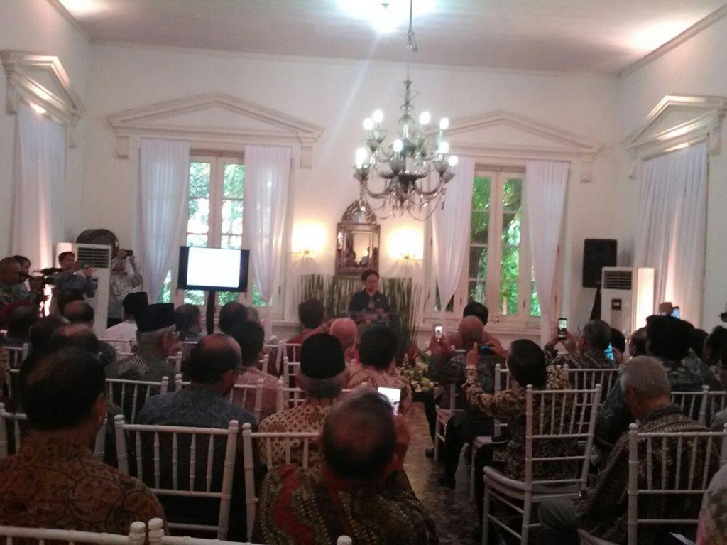 Berkumpulnya Para Diplomat di Kediaman Achmad Subardjo